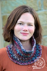 Bonnie Bell Cowl pattern by Two Brothers Blankets ©2015 alecia goodman to present