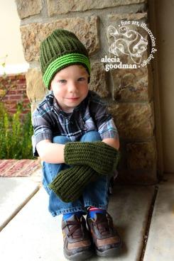 Sweater Fingerless Gloves ©2015 alecia goodman to present pattern by Crafty Ridge, www.CraftyRidge.com